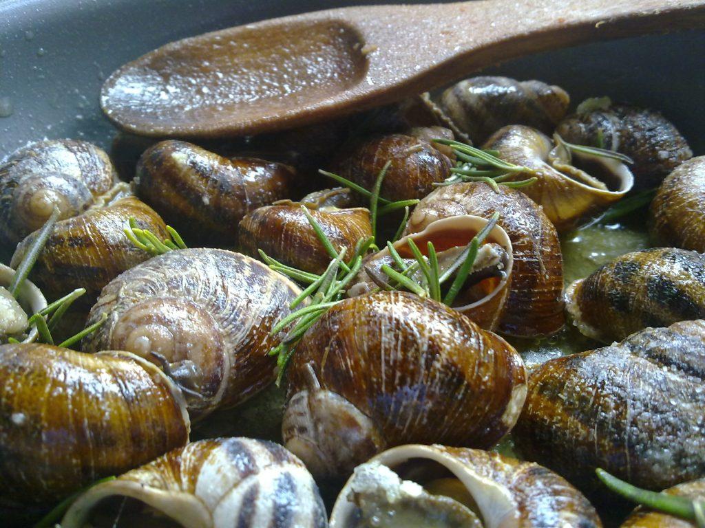 Chochlioi Boubouristi - Fried Snails