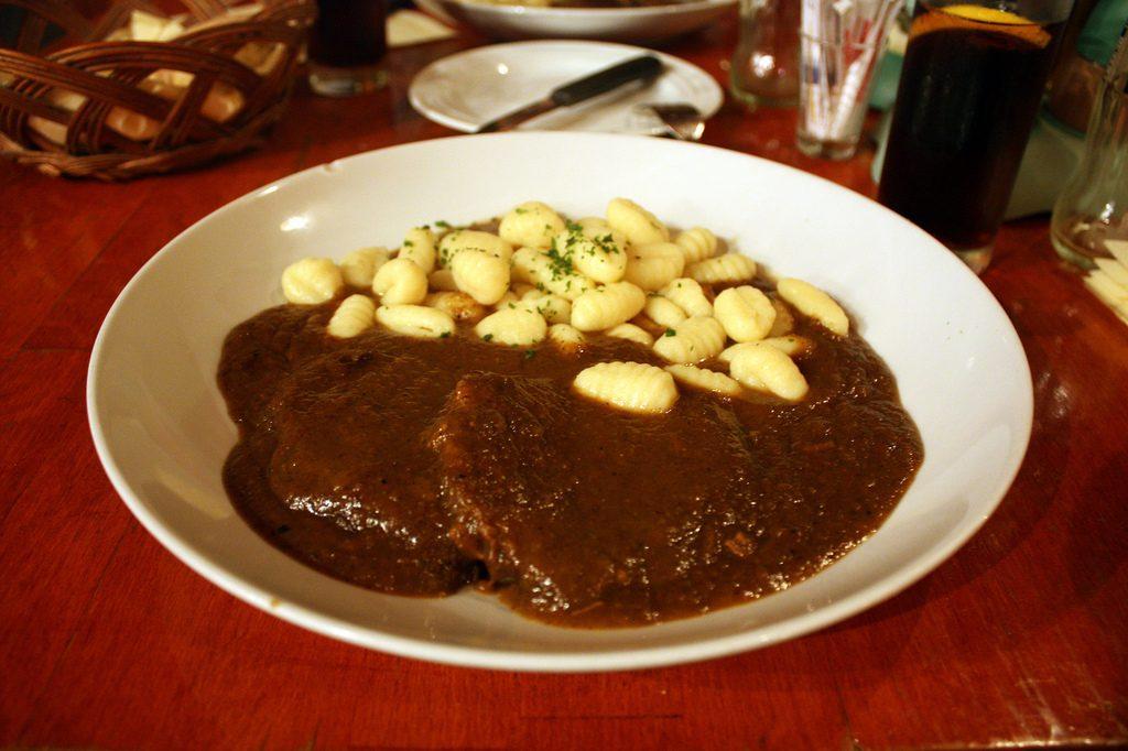 Pasticada s njokima - a stewed beef dish