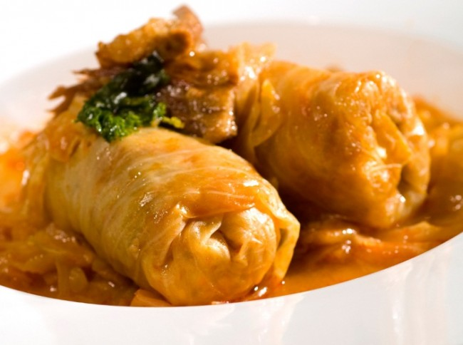 Sarma -stuffed cabbage rolls